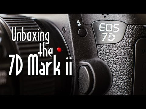 Canon 7D mark II Unboxing, Specs, and Quick Review