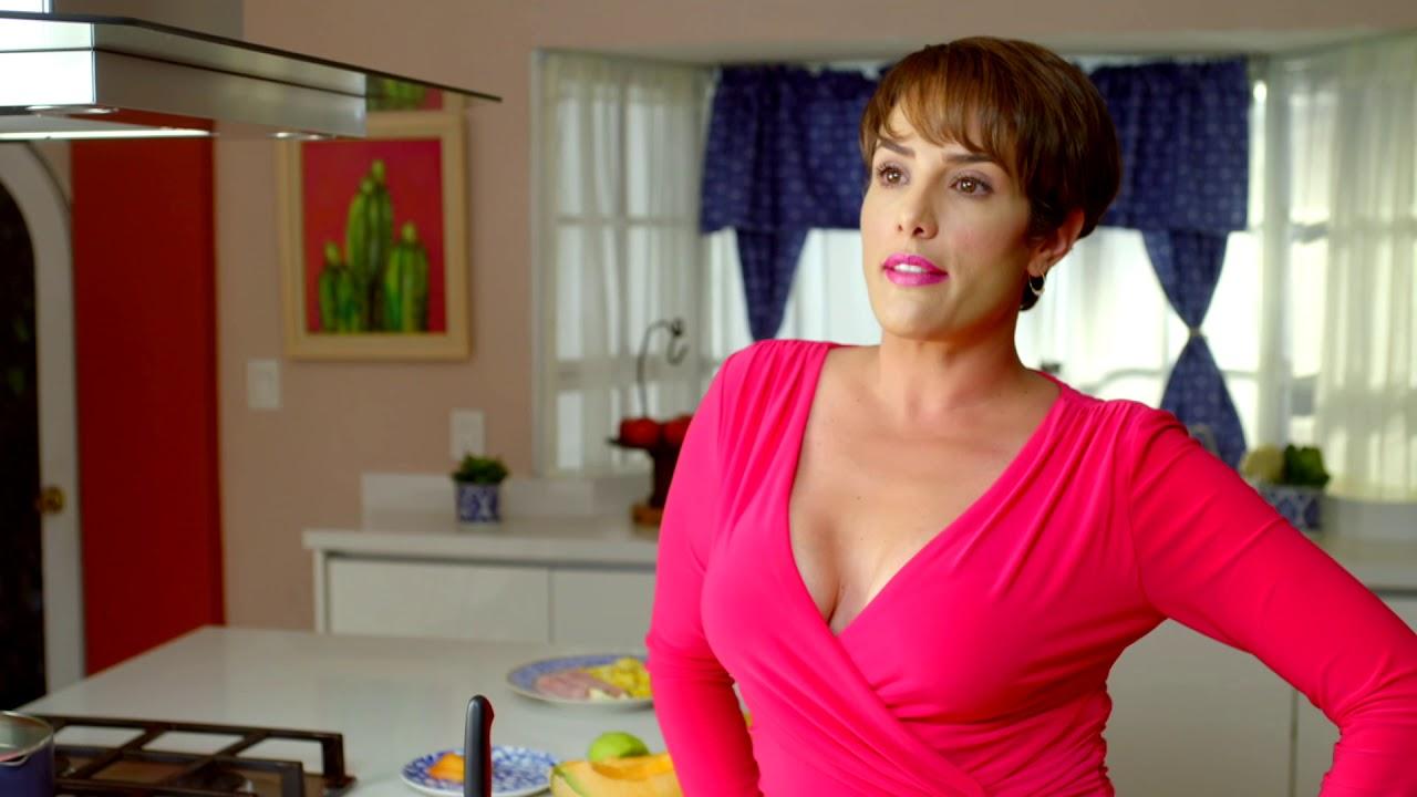 ¡Betty Monroe es Margarita en 'Muy Padres'! - YouTube