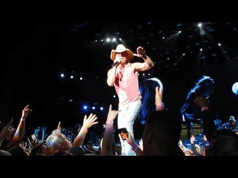 Kenny Chesney - How Forever Feels - Isleta Amphitheater Albs - 5.5.2016