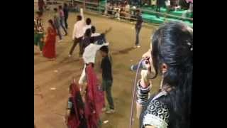 Gujarati Garba Song Navratri Live 2011 - Lions Club Kalol - Vikram Thakor - Day-10 Part-10