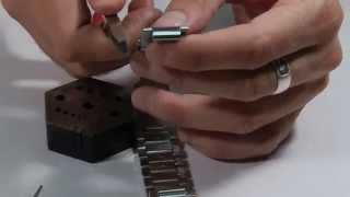 how to adjust a watch band