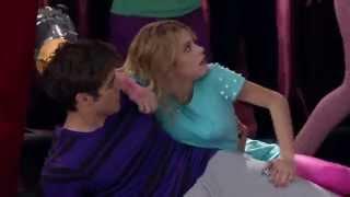 Людмила толкнула Виолетту, а она упала на Леона(Танец для песни