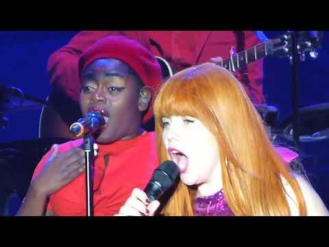 Paloma Faith - Make Your Own Kind Of Music (Live) The Architect Tour Towcester Racecourse 28/07/18