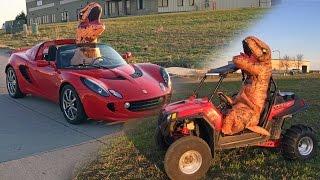 T-Rex Dinosaur STREET RACE!?