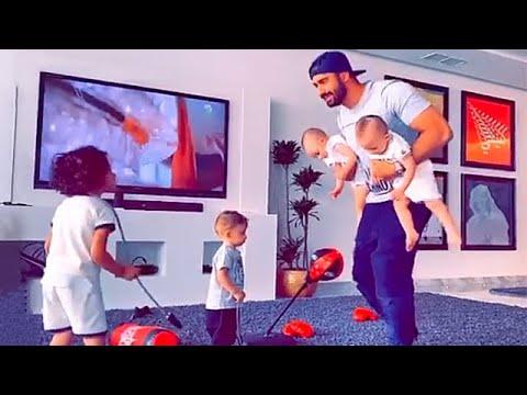 امين يلعب ملاكمة مع خالد وخلودي ويرقص مع ليان وليليان ????????
