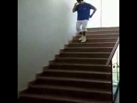 Баба на лестнице фото 449-213