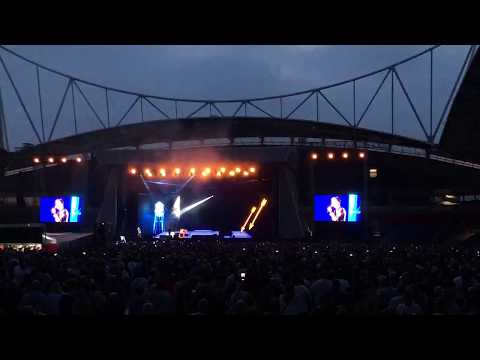 The Killers cover New Order - True Faith...