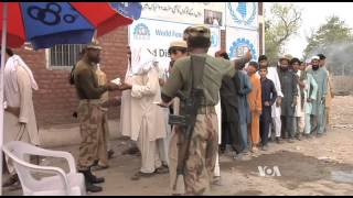In NW Pakistan, Army Offensive Causes Massive Number of Displaced