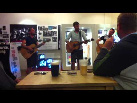 Flame Acoustic - Bell X1 - Belfast, Oh Yeah! Centre 09.07.13