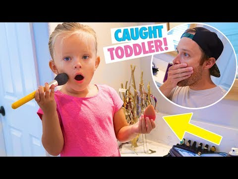 Thumbnail: 4 YEAR OLD CAUGHT STEALING MAKEUP! 💄