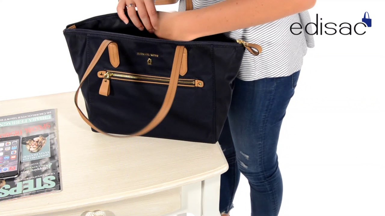 948b81385ee Sac shopping Michael Kors - Ligne Nylon Kelsey - YouTube