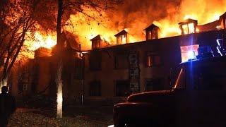 İsmayıllıda etiraz: Maşınlar və hotel yandırıldı