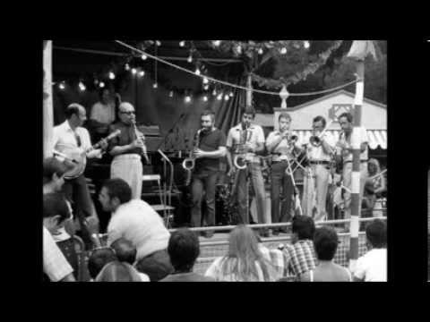 Lino Patruno & Barney Bigard with The Milan College Jazz Society - Muskrat Ramble