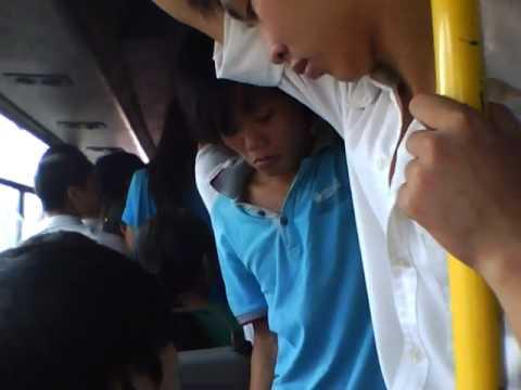 Phụ Xe Chửi trên xe bus