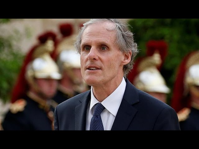 <span class='as_h2'><a href='https://webtv.eklogika.gr/epistrofi-stin-romi-gia-ton-gallo-presvi' target='_blank' title='Eπιστροφή στην Ρώμη για τον Γάλλο πρέσβη'>Eπιστροφή στην Ρώμη για τον Γάλλο πρέσβη</a></span>