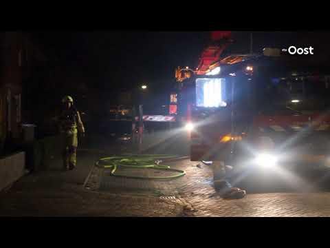 Huis in Almelo raakt onbewoonbaar door uitslaande brand