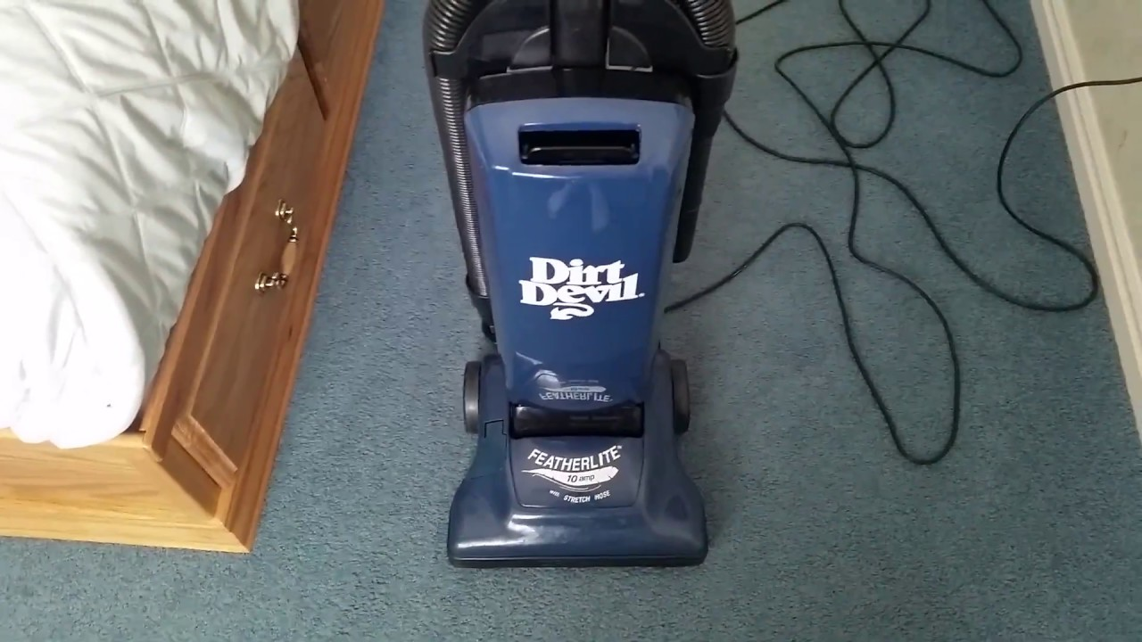 Dirt Devil Featherlite 085470 Upright Vacuum