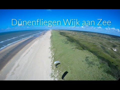 A flying day at the beach - Dünensoaring in Wijk aan Zee