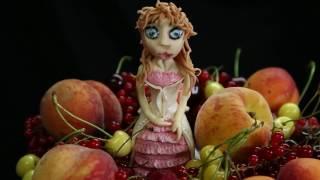 торт для племянницы ( цветная зеркальная глазурь и фрукты) | торт на заказ