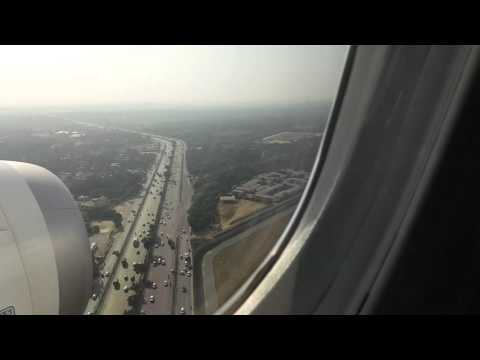 plane landing at New Delhi Airport Boeing 787 Dreamliner