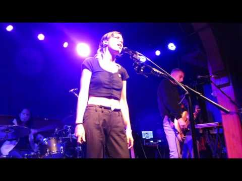 """Wolf Alice """"Don't Delete The Kisses"""" - Schubas Tavern Chicago 7/5/2017"""