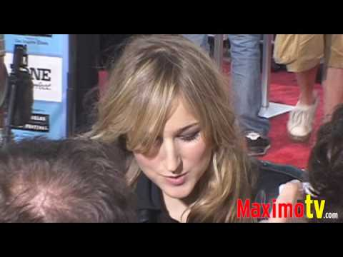 LEELEE SOBIESKI 'HOT' at PUBLIC ENEMIES Premiere June 23, 2009