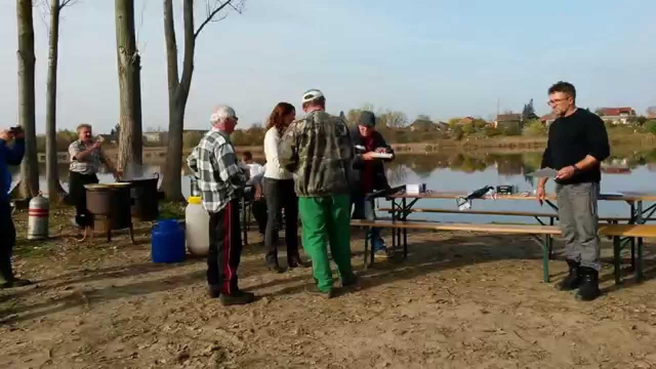 Páros csukafogó horgászverseny a rakamazi Nagy-Morotván.