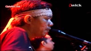 IWAN FALS - aku sayang kamu  [live konser O.A.M]