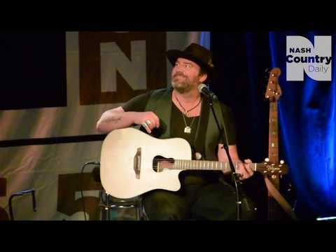 "Lee Brice Performs Acoustic ""Boy"" – Nash Icon Rhythm and Boots Concert Series"