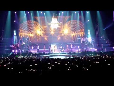 Arianna Grande - Right There/Technical accident (Live @ Barclay's Center, September 26, 2015)