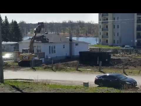 House Demolition In Kingston Ontario | [HD - 1080P 60FPS]