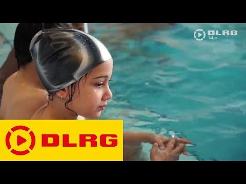 Ab ins Wasser – aber sicher! Wassergewöhnungskurse der DLRG