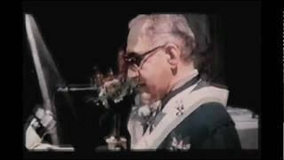 Quinto Mandamiento - No Matarás  Homilia Monseñor Romero.wmv