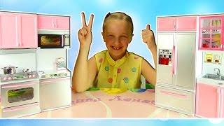 мебель для кукол кухня для кукол Канал Леночки Видео для детей обзор игрушек new toy(канал Леночки представляет игрушки: обзор игрушек видео для детей мебель для кукол, и сегодня Леночка покаж..., 2016-05-31T13:30:01.000Z)