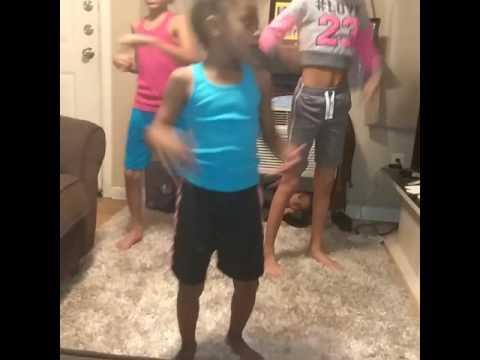 Giggle giggle pop kids do challenge