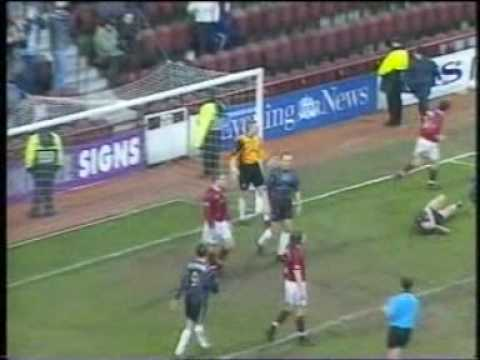 Hearts 7 Dunfermline Athletic 1 (SPL 00/01)