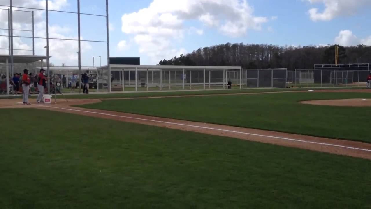 Dustin Pedroia, Shane Victorino lead infield, outfield Red Sox fly drills