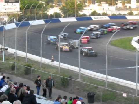 Modifieds @ Stockton 99 Speedway 5-5-12.wmv