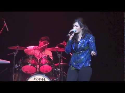Shreya Ghoshal Live - Old Hits