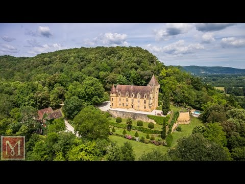 Stunning authentic chateau for sale - view over Dordogne river, France. Ref:2919021 Maxwell-Baynes
