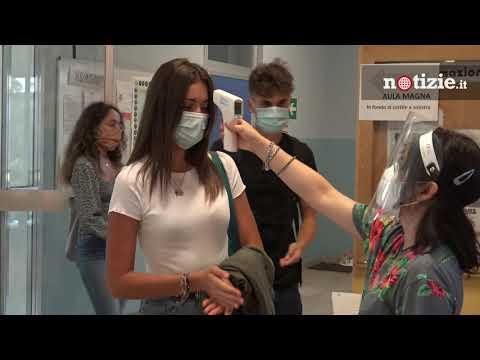 Scuola, positivi al coronavirus 439 studenti: bloccate 43 classi in Lombardia