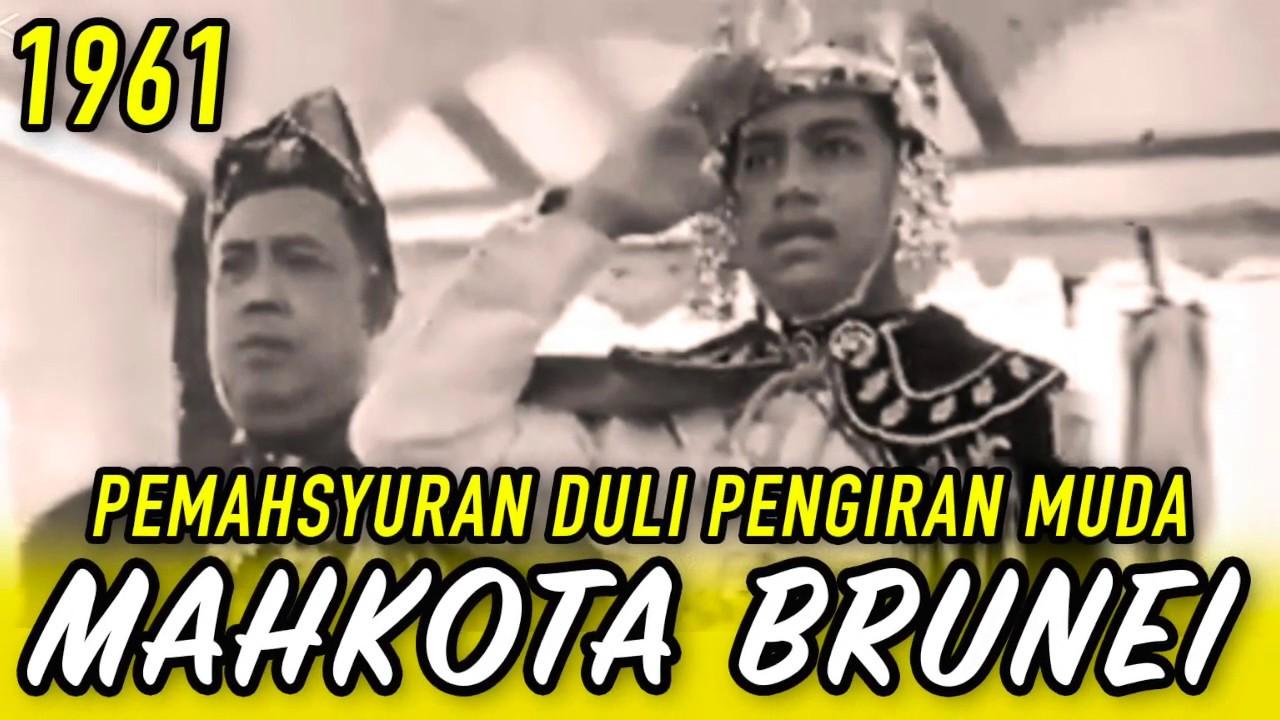 Download 👑 (1961) ISTIADAT UNIK 'TANPA KERUSI' : PENGIRAN MUDA HASSANAL BOLKIAH DITABAL PEWARIS RAJA BRUNEI