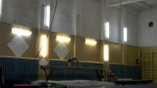 спортивная гимнастика.Ксюня на бревне.MOV