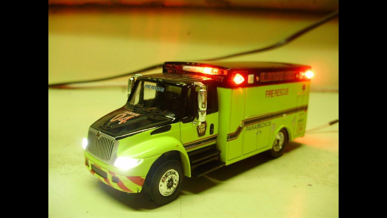 Custom 1 64 Greenlight International Durastar Ambulance W