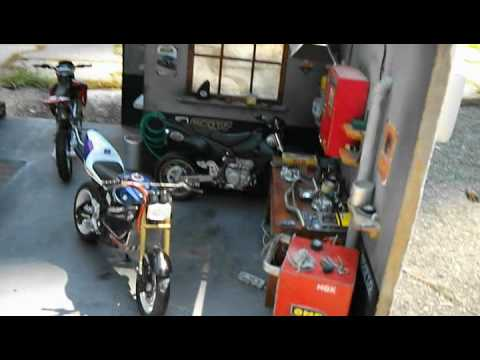Dioram Garage 1 18 Scale Motorcycle Service Youtube