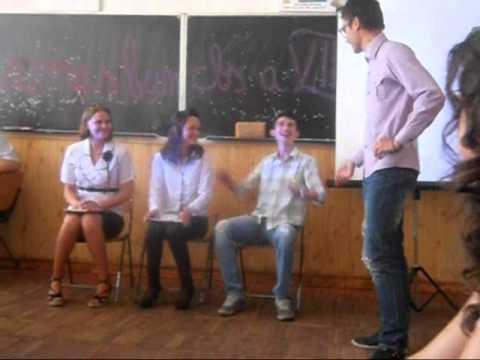 pantomima ramas bun clasa a 8-a la liceul Oltea Doamna in 2012.wmv