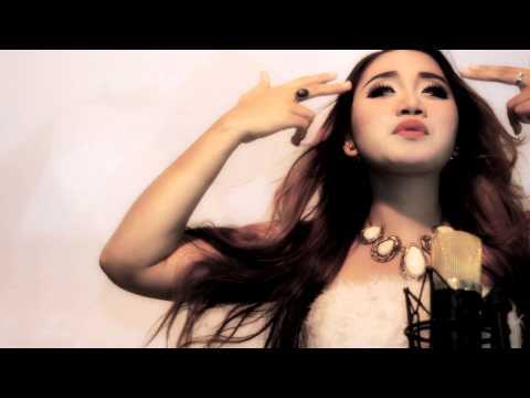 Isa Stevani - Gue Mah Gitu Orangnya (video klip official HD)