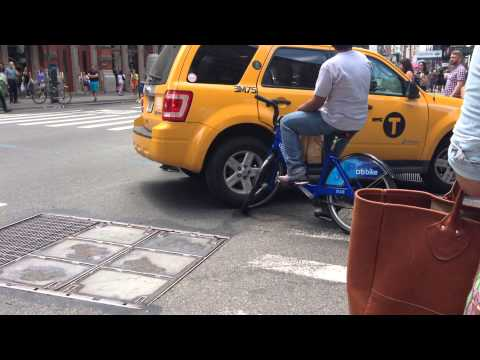 Taxi can vs Citibike in SoHo
