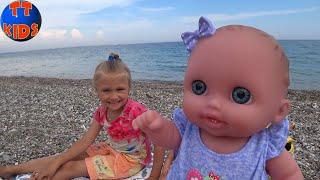 Пикник у Моря Ярослава и Куклы Беби Бон пробуют Турецкие Сладости Baby Born Doll