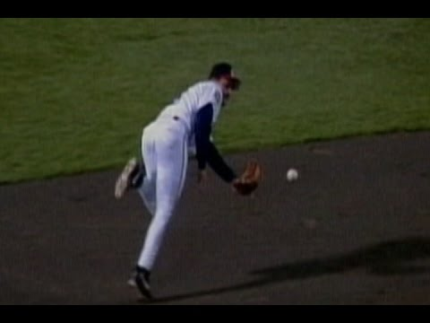1999 ASG: Vizquel makes great flip play to end inning